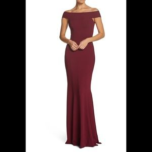 Dress the population jackie off shoulder gown